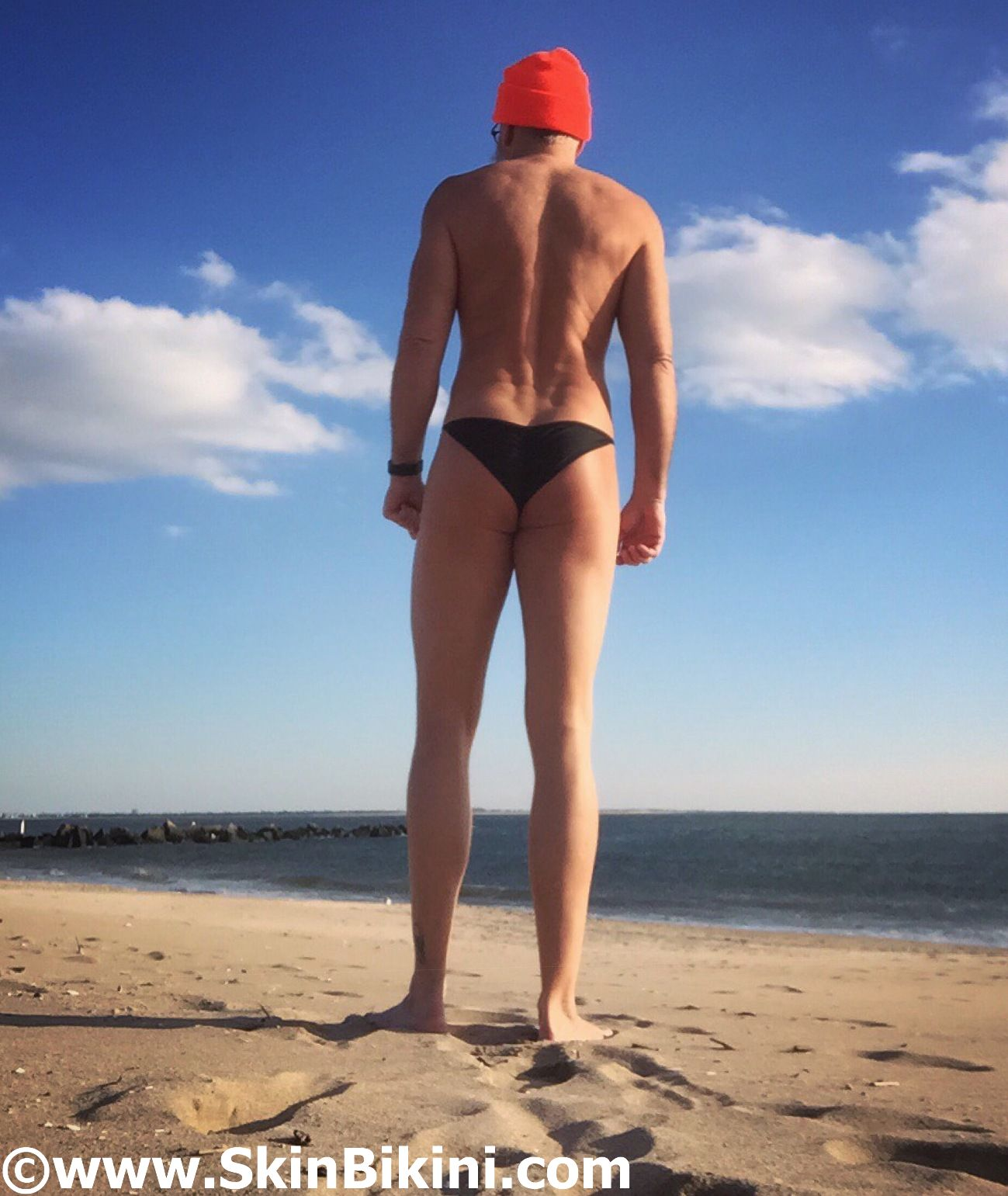 Men in sexy micro scrunch back bikini by skinbikini.com